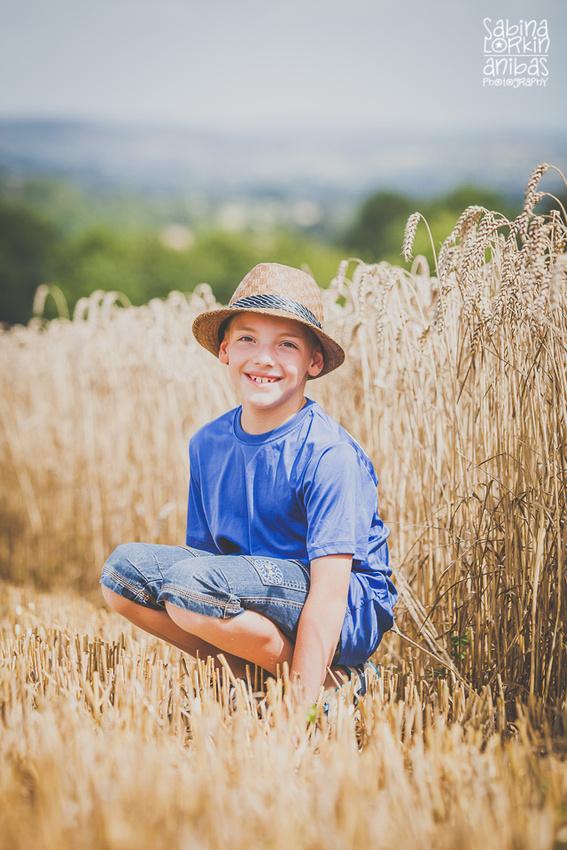 IMG_9455-Anibas-Photography-photographe-de-famille-normandie-enfants-champs-de-ble