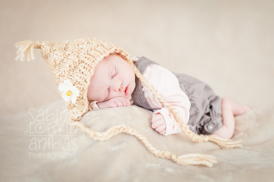 Discover the beautiful newborn and baby photos of Normandy based artisan photographer Sabina Lorkin