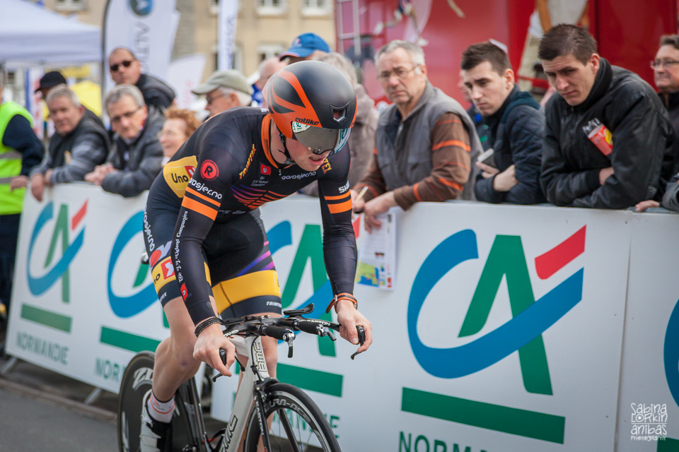 Discover photos of the prologue of the 2015 Tour de Normandie by photographer Sabina Lorkin -